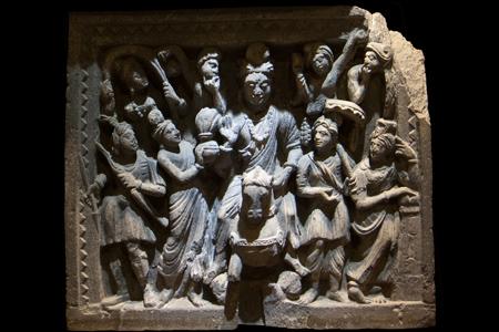 The Great Departure, detail of Buddha (2-3rd c. Gandhara, Pakistan, Mumbai Museum)
